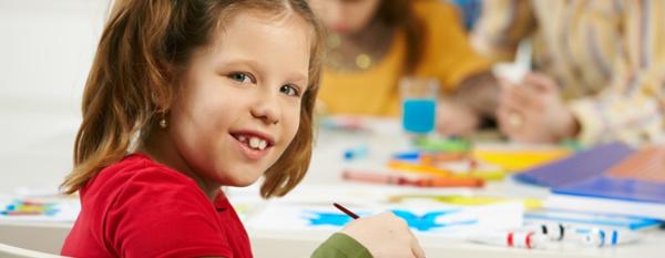 Alle kinderen uit groep 2 (5-6 jarigen) en groep 7 (10-11 jarigen) van het basisonderwijs krijgen van JGZ Almere een gezondheidsonderzoek.